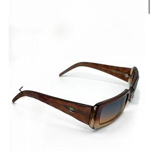 Vintage 90s Chanel sunglasses trendy